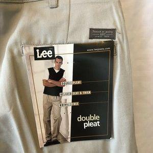 NWT LEE DOUBLE PLEAT WRINKLE-FREE PANTS TAN 36x30